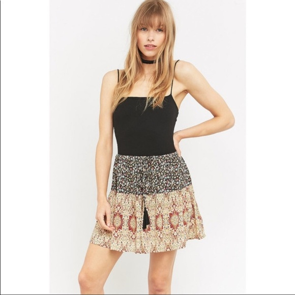 Urban Outfitters Dresses & Skirts - Staring At Stars Skirt